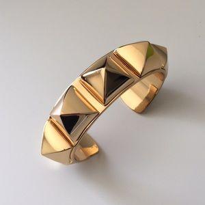 C.wonder gold pyramid stud cuff bracelet